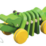 Plan Toys Sustainable Play dancing-alligator Natural Wood