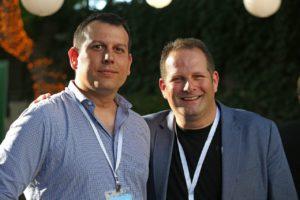 מימין - צחי וייספלד מנכל רשת האקסלרטורים העולמית של מיקרוסופט. משמאל - נבות וולק מנכל אקסלרטור מיקרוסופט בישראל